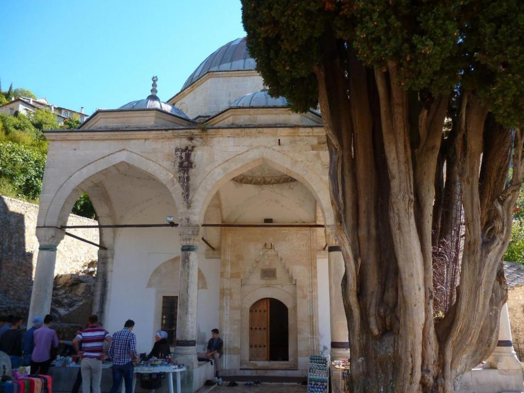 Мечеть «Шишман Ибрахим-паши» или мечеть «Хаджи Алия» , город Почитель, Община Чаплина, Герцеговино-Неретвенский кантон, Босния и Герцеговина