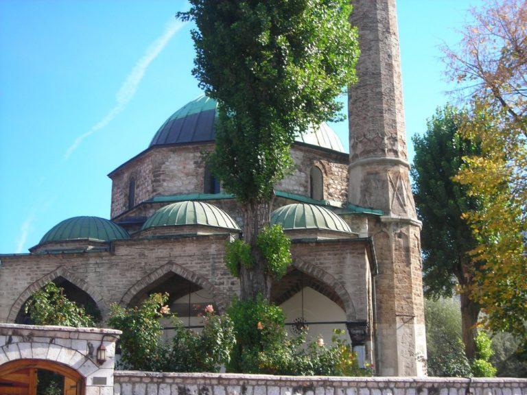 Мечеть Башчаршия Джамия (босн. Baščaršija Džamija), город Сараево, Босния и Герцеговина