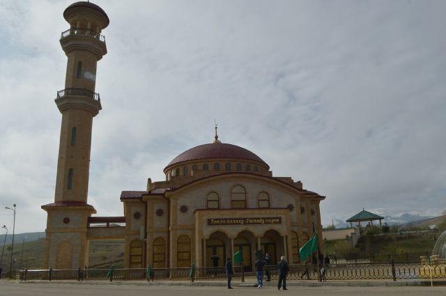 Мечеть имени Солтанат Шихсаидовой, село Буглен, Буйнакский район, Дагестан